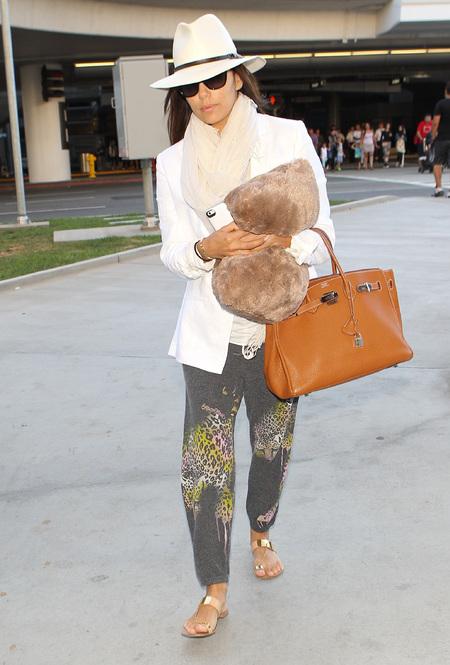 Eva Longoria airport style Hermes Birkin bag tan brown handbag ...