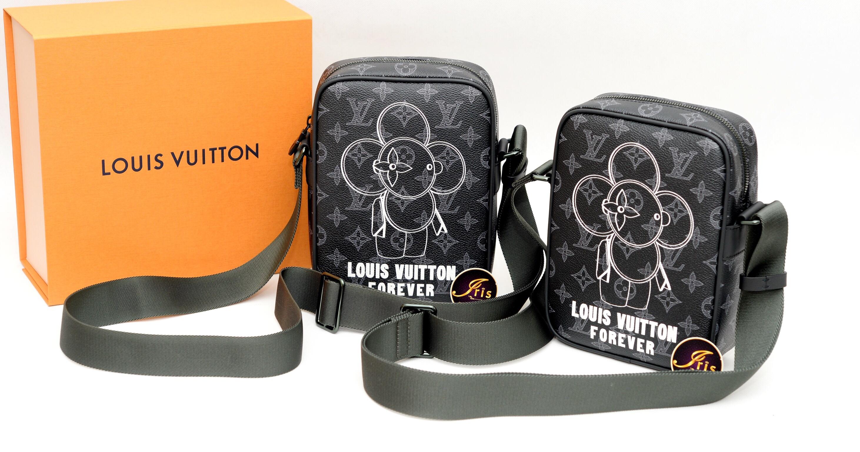 กระเป๋า LV FOREVER VIVIENNE ECLIPS LIMITEDใบนี้เลิกพูดเรื่องความหายาก  เพราะหาไม่ได้แล้วจร้า!!!!! หมดแล้ว หมดเลย ของใหม่ พร้อมส่ง 997909b8a1f3